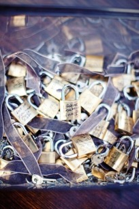 This is a very romantic idea...just not sure how practical...but who needs practical at a wedding right?! Sharpie up!